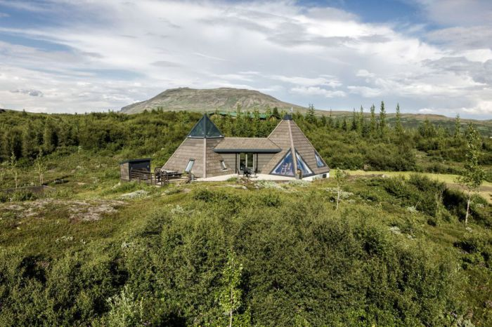 Pyramid Cottage House - загородный дом в Исландии.