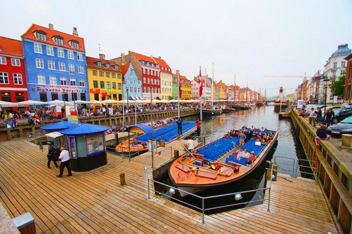 Копенгаген – город с самым длинным искусственным каналом.