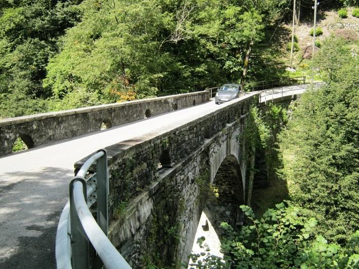 Мост, ведущий к общине Кориппо.