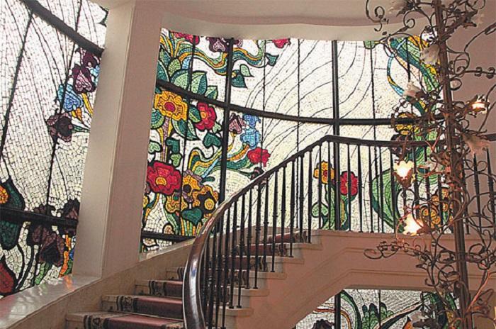 Витражи, сделанные Зурабом Церетели.