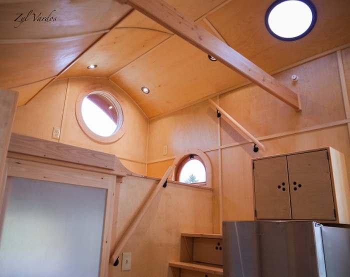 Damselfly House - крошечный домик на колесах.