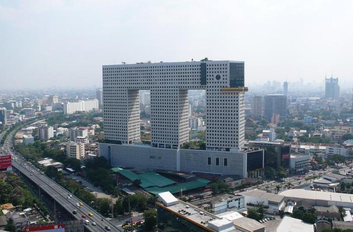 Elephant Building - здание в виде слона.