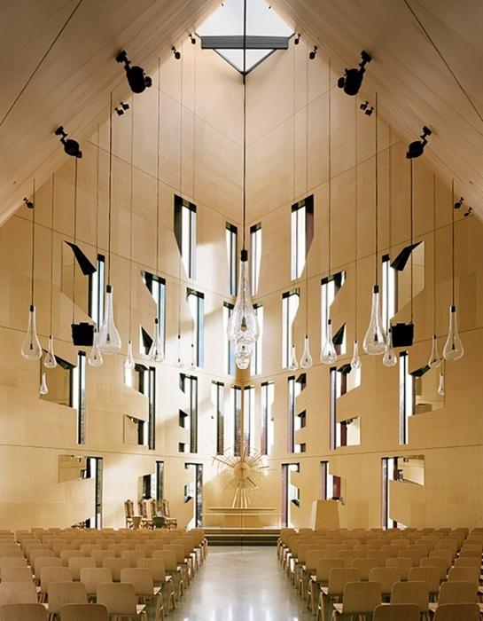 Церковь в Норвегии. Вид изнутри.