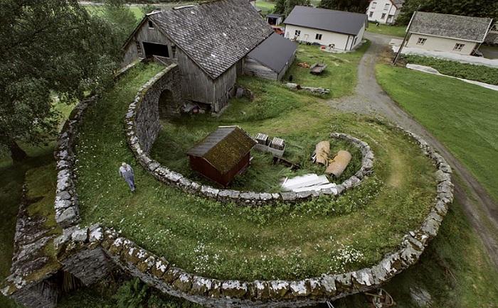 Сарай в городе Valldal.