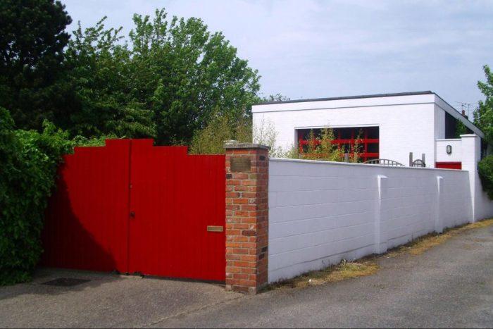 Обновленный дом, переделанный их пожарной станции.