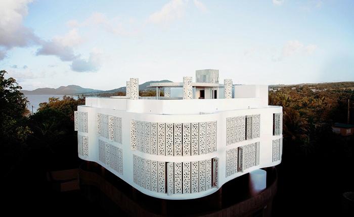 El Blok - отель, построенный в форме коралла.