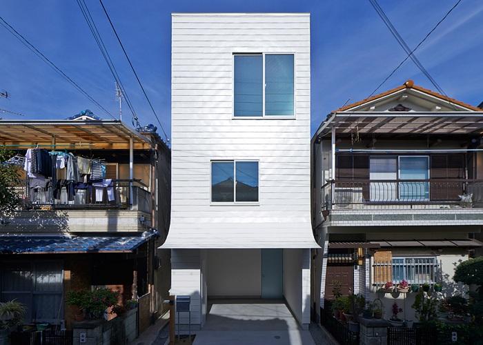 Gandare House - дом, «вытянутый» вверх.