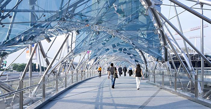 Helix - пешеходный мост в Сингапуре.