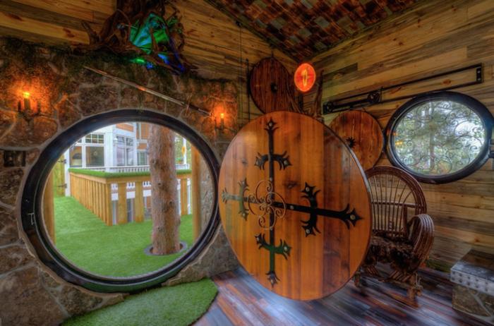 Hobbit treehouse - домик хоббита.