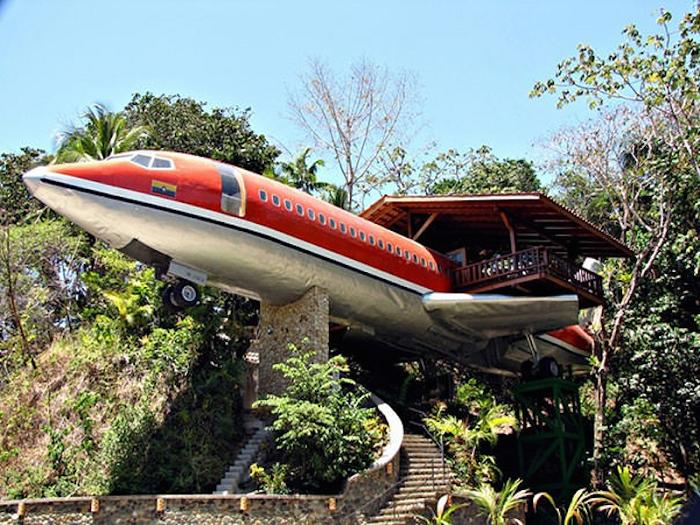 Отель в бывшем самолете.