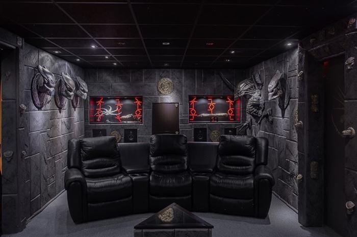 Интерьер комнаты в стиле голливудской фантастики.