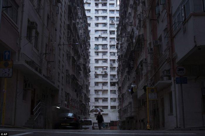 Квартирный вопрос - одна из самых больших социальных проблем Гонконга.
