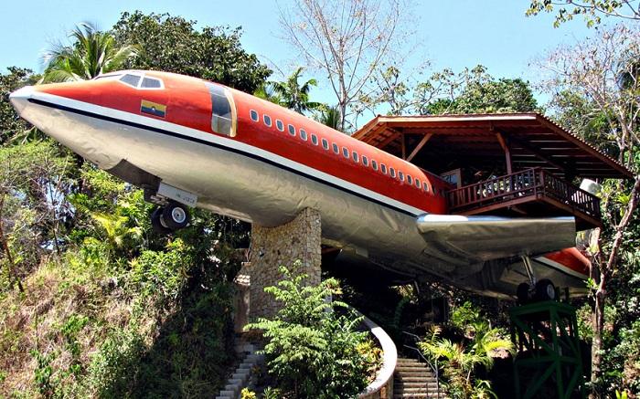 Costa Verde - самолет-отель.