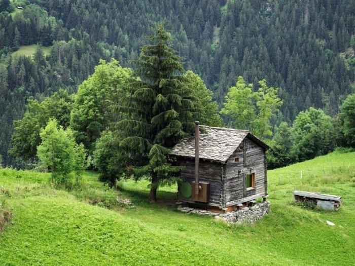 Хижина в Швейцарских Альпах.