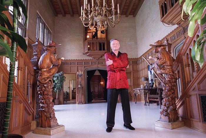 Хью Хефнер продает свой особняк Playboy Mansion.