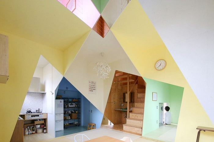 Ana House - дом, напоминающий геометрическую абстракцию.