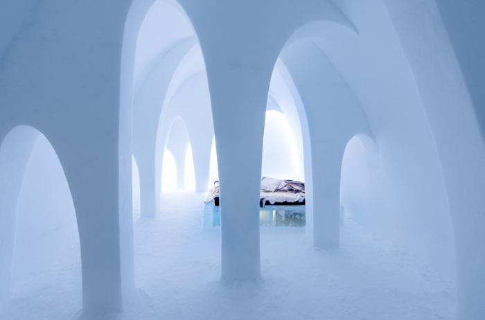 IceHotel - отель с ледяными номерами.