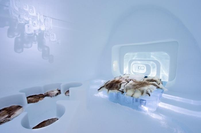На создание IceHotel в этом году ушло 5000 тонн льда.