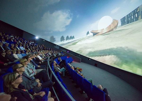 20-метровый проекционный экран.