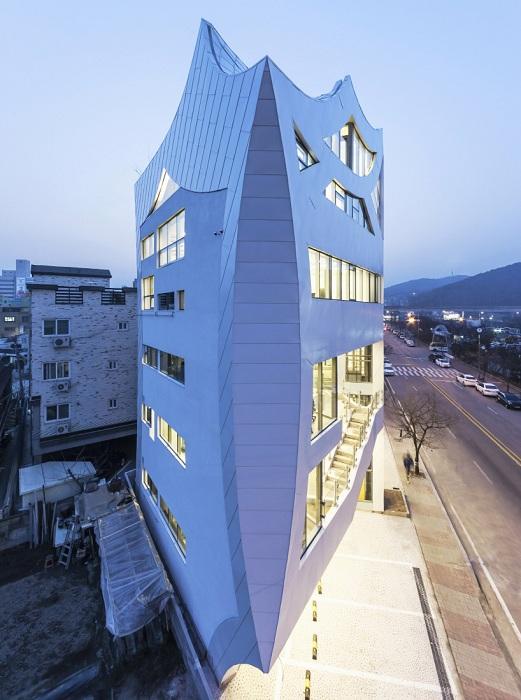 Архитекторский проект корейской компании IROJE KHM Architects.