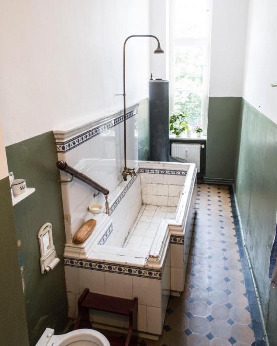 Сохранившая ванна конца XIX века.
