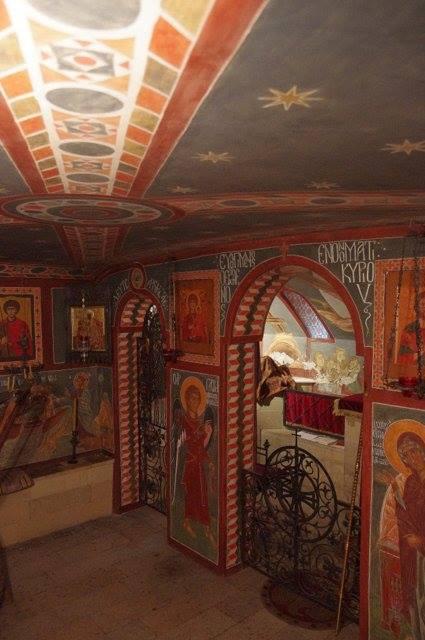 Церковь расписана монахиней Арсенией.
