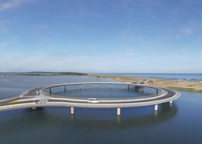 Лагуна гарсон - круглый мост, по которому автомобили вынуждены ехать медленно.