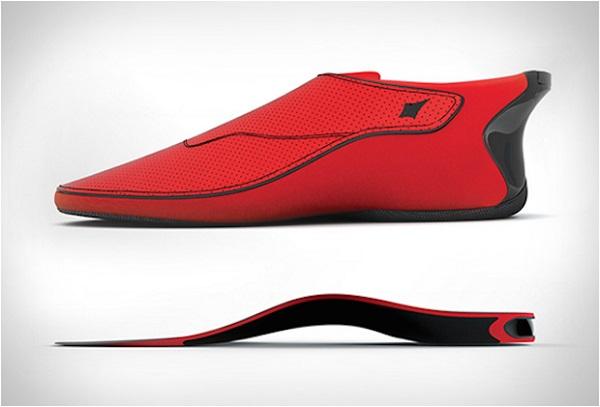 «Умные» кроссовки Bluetooth Lechal.