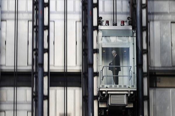Lloyds building. Наружный лифт.
