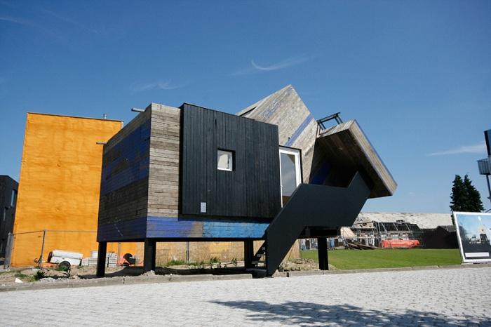 Lucy Nomad - микроотель в городе Девентер (Голландия).