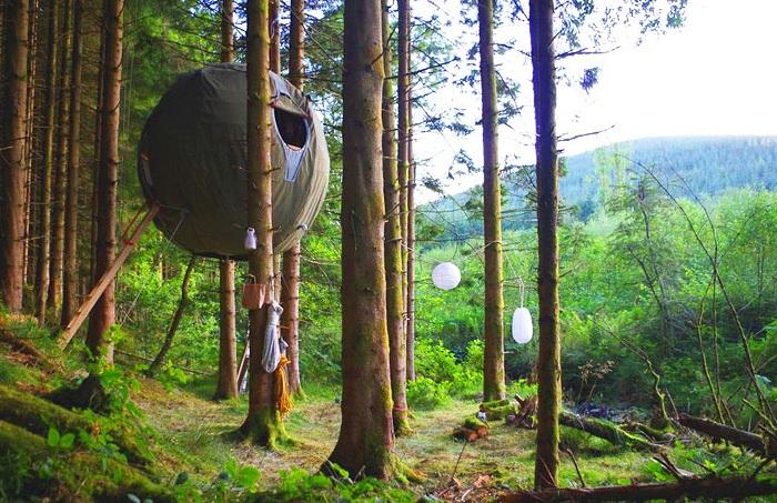 Luminair's Tree Tent - сферическая палатка на дереве.