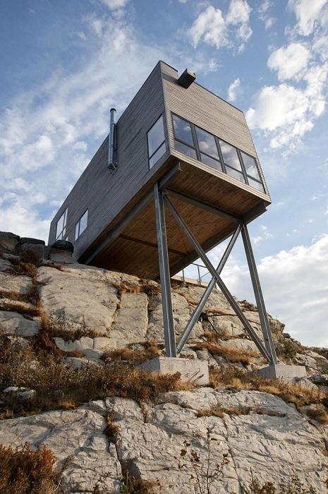 Cliff House - минималистичный дом.