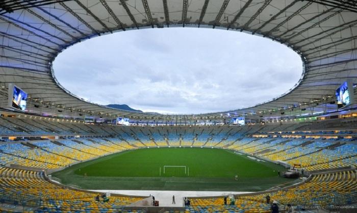 Легендарный стадион «Маракана». В нем проводили церемонии открытия и закрытия Олимпийских Игр.