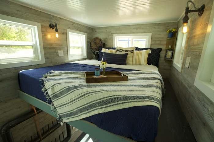 Спальня в доме на колёсах.
