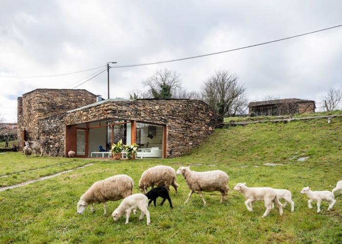 A'Bodega - уютный дом, переделанный из винного погреба.