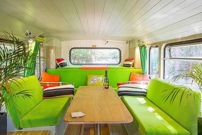 Big Green Bus - отличное место для отдыха всей компанией.