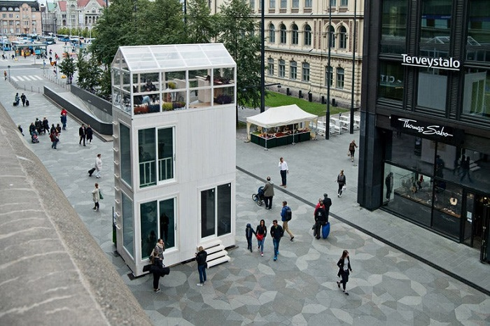 Tikku - дом площадью 37,5 кв. метров, который легко сможет разместиться на одном парковочном месте.