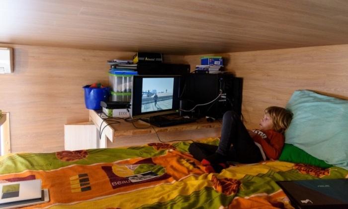 Домик площадью 16 кв. метров. Место для сна.