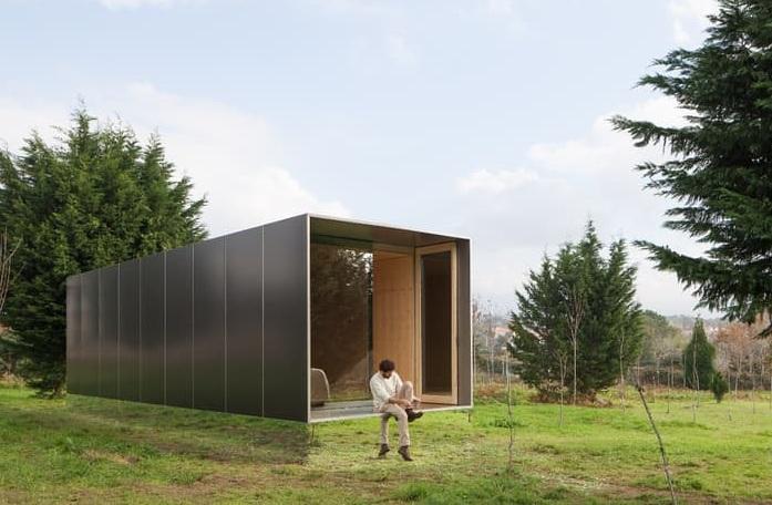 The Mima Light - дом с зеркальным фасадом.
