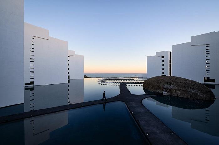 Проект отеля архитектора Miguel Angel Aragones.