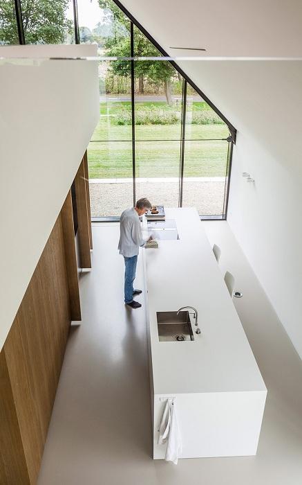 Вилла от архитекторской студии Maas Architecten. Интерьер.