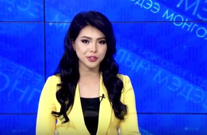 Монгольская телеведущая виртуозно читает русские скороговорки.