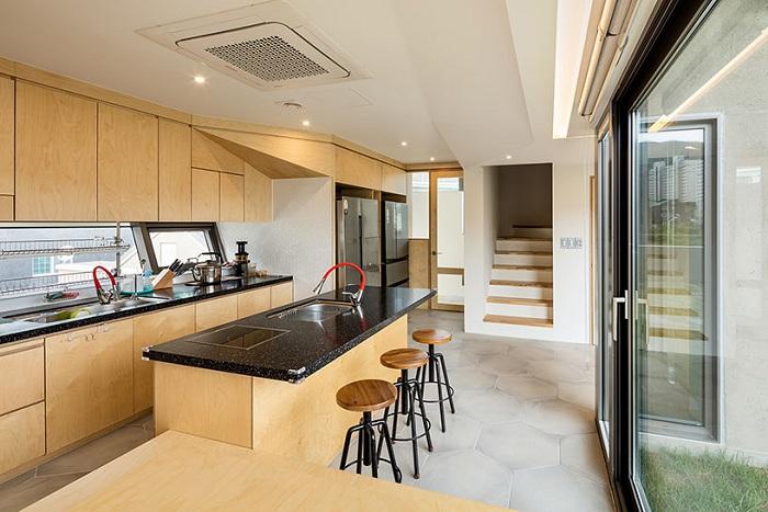 Частный дом от фирмы Moon Hoon. Кухня.
