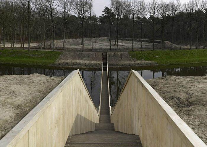 «Мост Моисея» - оригинальный мост в Голландии.