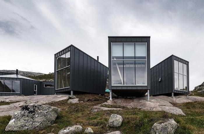Skapet Mountain Lodges - домики для ночевки на природе.