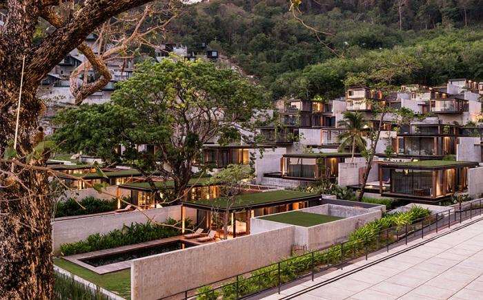 Туристический отельный комплекс Naka Phuket Resort.