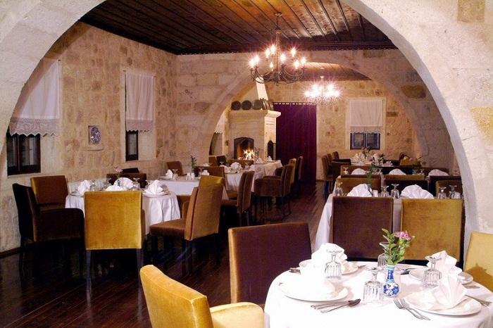 Yunak Evleri. Ресторан.