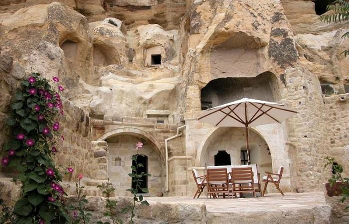 Отель в пещерах (Турция).