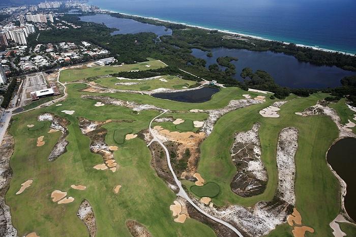 Площадка для гольфа.