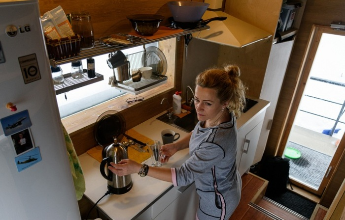 Домик площадью 16 кв. метров. Кухня.